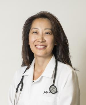 Photo of Jaclyn Arends, MD